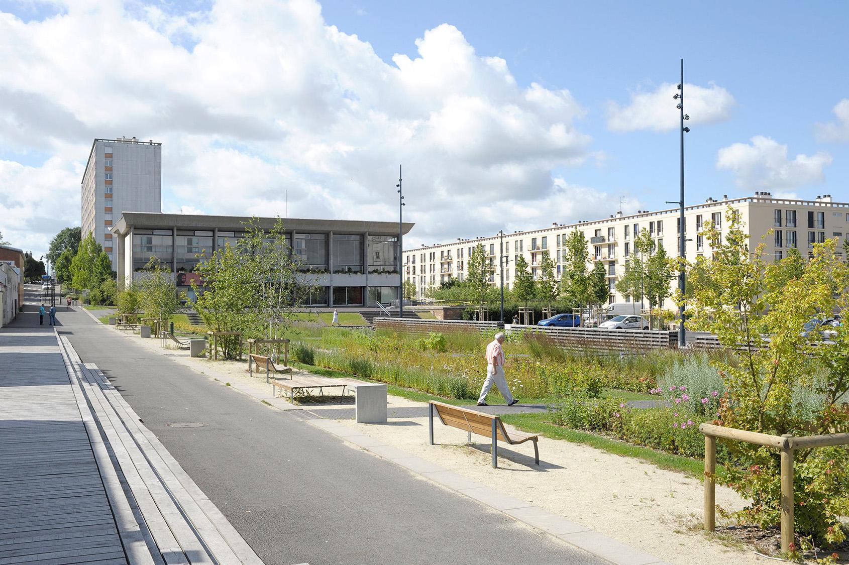 Belus & Hénocq - Place du Mail à Allonnes