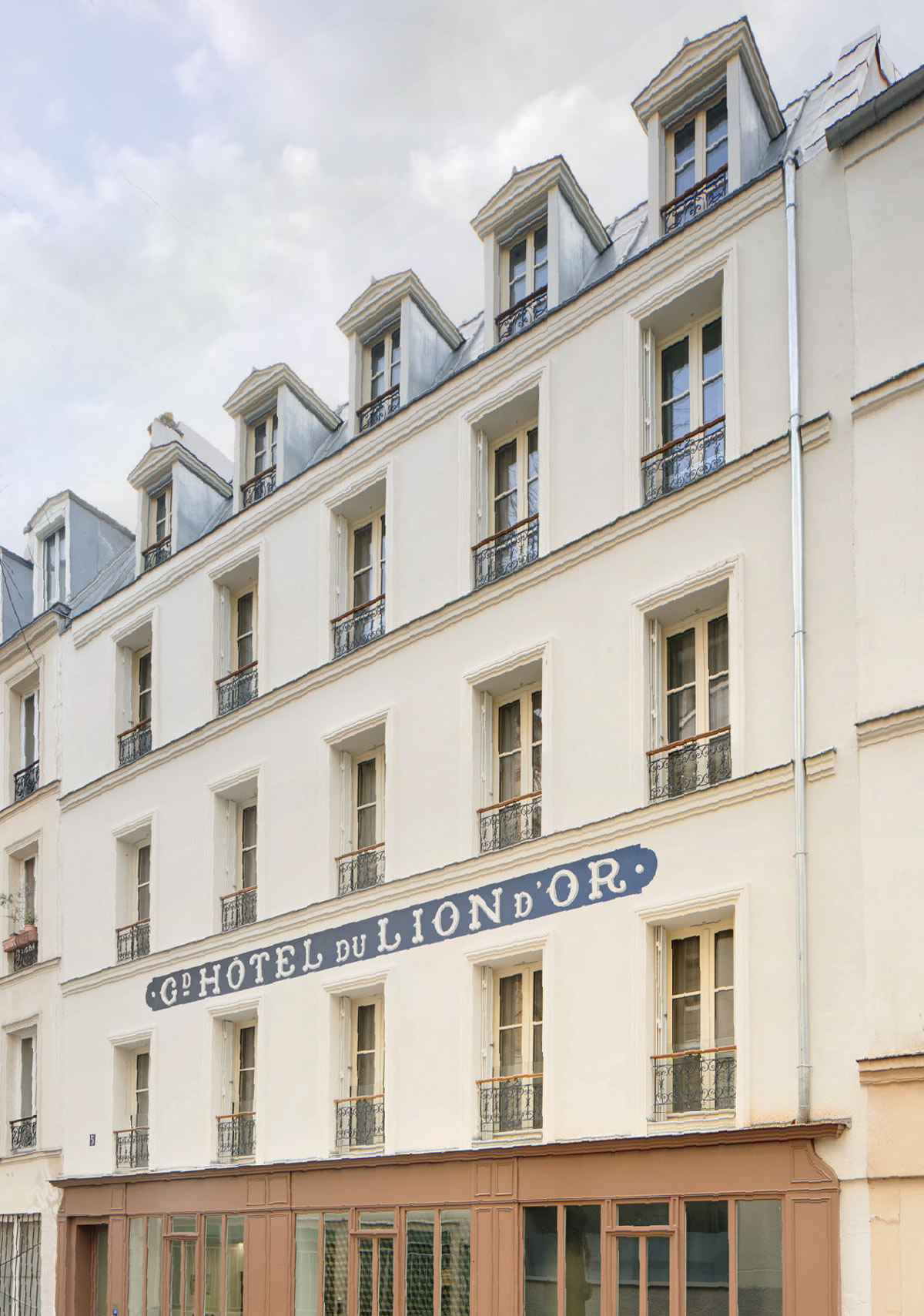 Hou-Facade-rue1